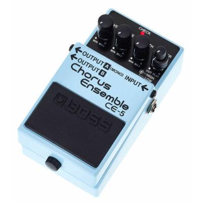 Boss CE-5 gitáreffekt pedál, kórus